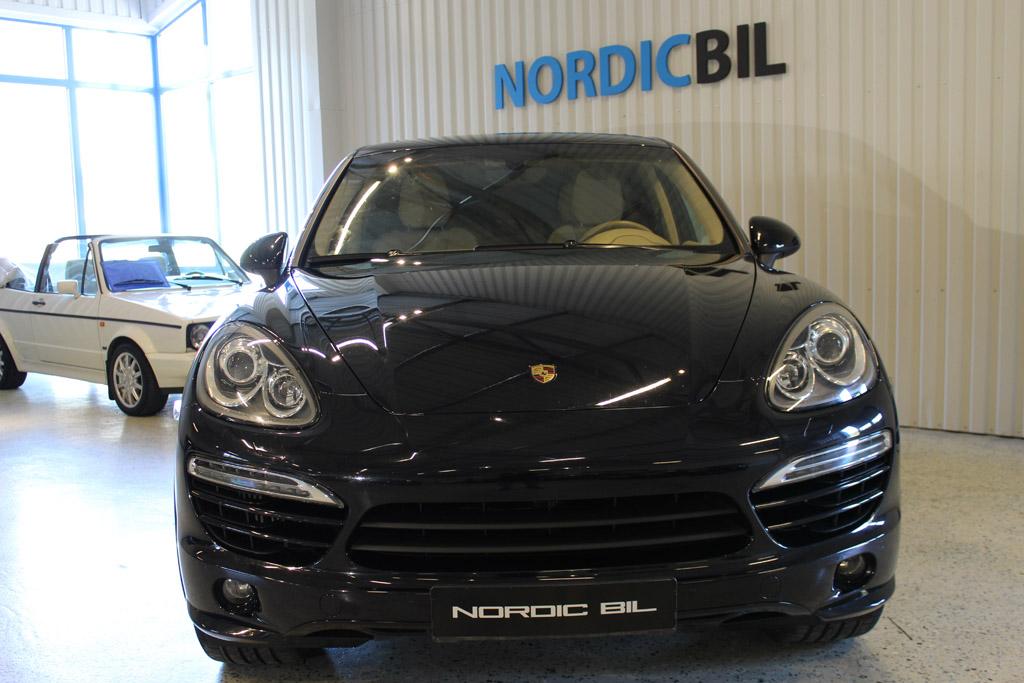 Porsche-Cayenne-2013_2607
