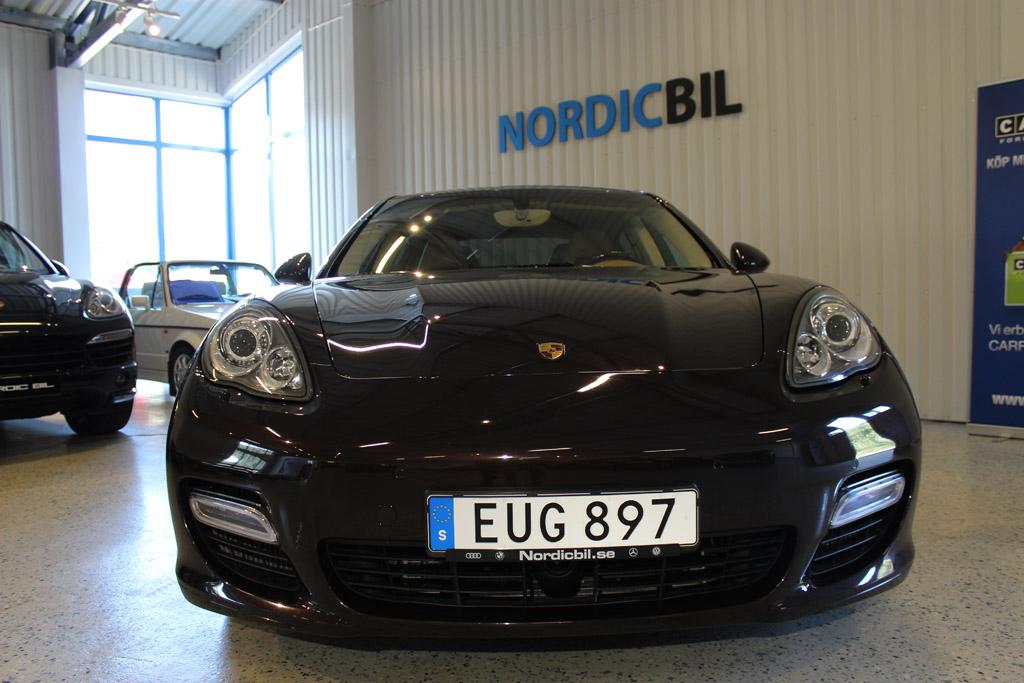 Porsche-Panamera-Turbo-2012_2648