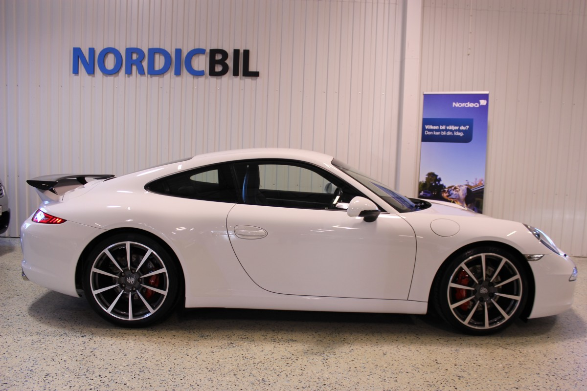 Porsche-911-997-carrera_5441