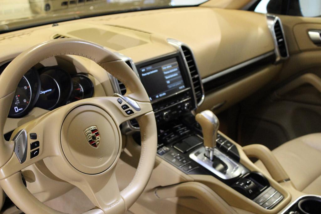 Porsche-Cayenne-2013_2813