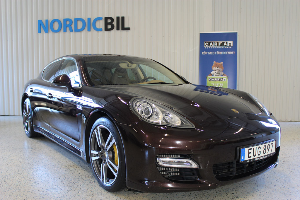 Porsche-Panamera-Turbo-2012_2646