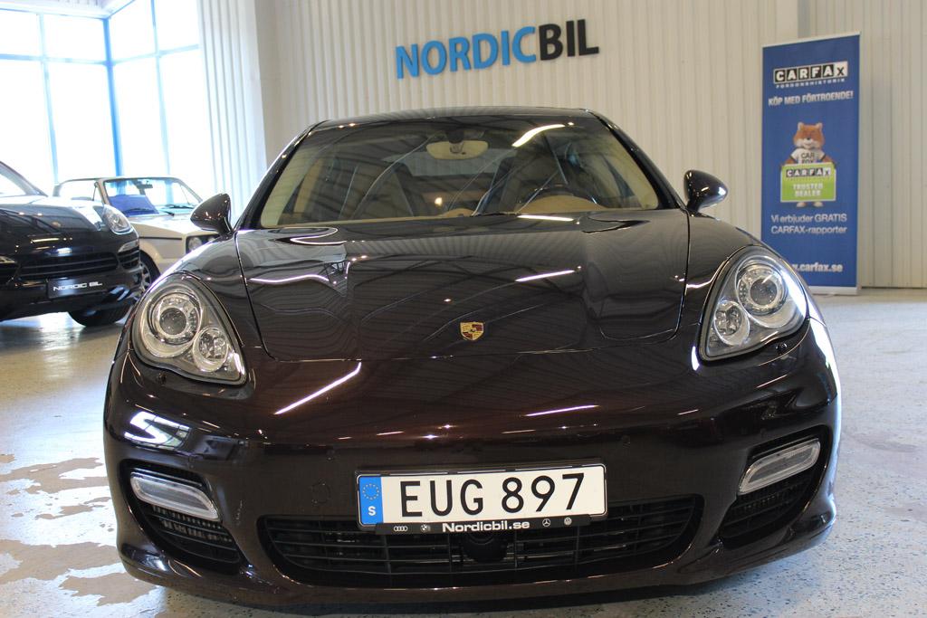 Porsche-Panamera-Turbo-2012_2668